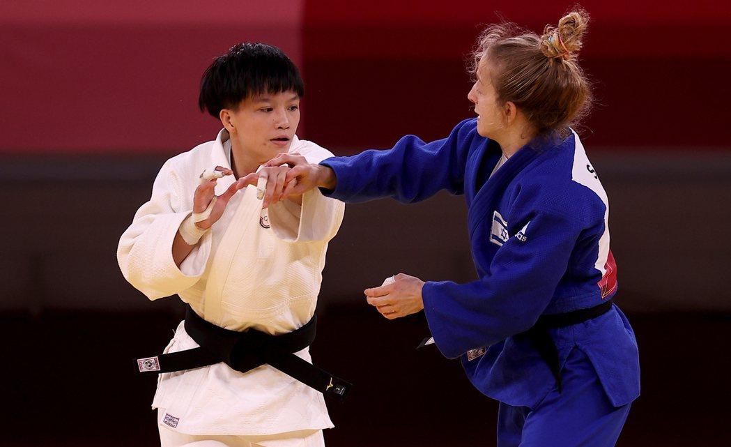 台灣柔道女將林真豪在東京奧運女子48公斤級,不敵以色列選手瑞尚尼,並列第七名作收...