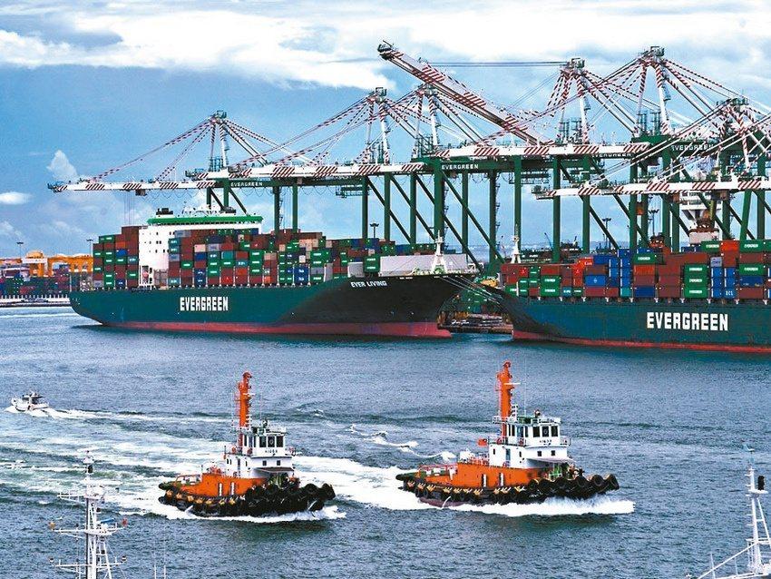 全球主要港口6月準點率全都低於四成,遠低於過去的七成水準。貨攬業者表示,7月主要...