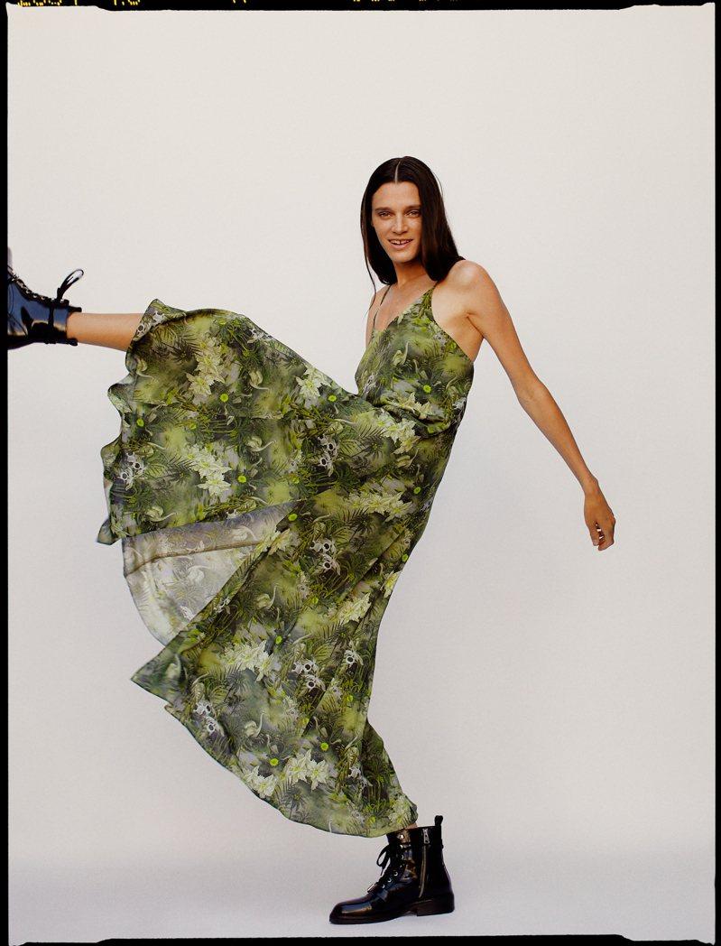 AllSaints推出以沙漠為靈感的印花系列,為夏日妝點繽紛色彩。圖/AllSaints提供