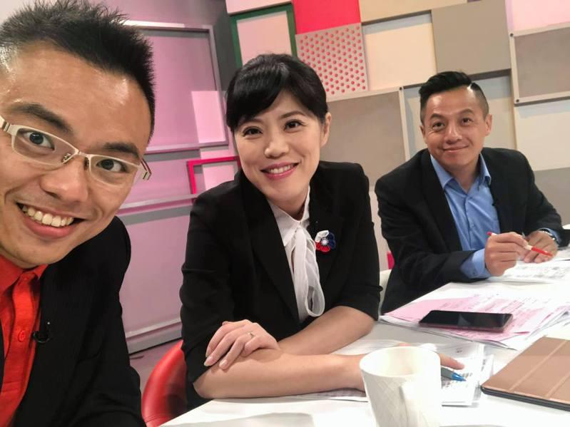 國民黨立委洪孟楷在臉書分享與唐慧琳一同上節目的照片。圖/取自洪孟楷臉書