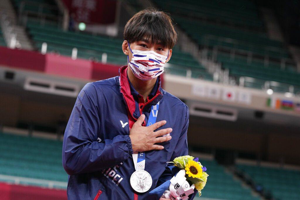 初登奧運殿堂的60公斤級柔道選手楊勇緯,昨為台灣奪下第一面奧運銀牌,是台灣參與奧...