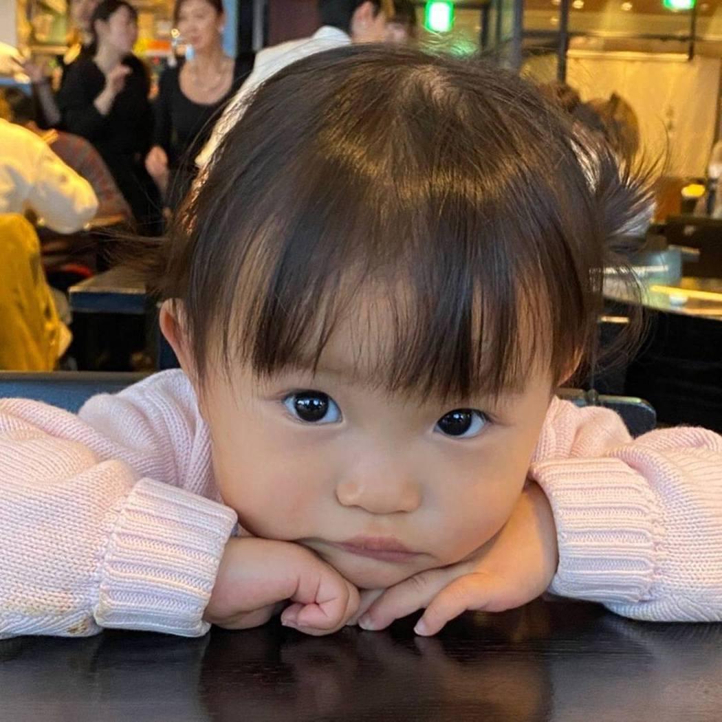 3歲的「令和歌姬」村方乃乃佳。圖/取自IG@nonochannel555
