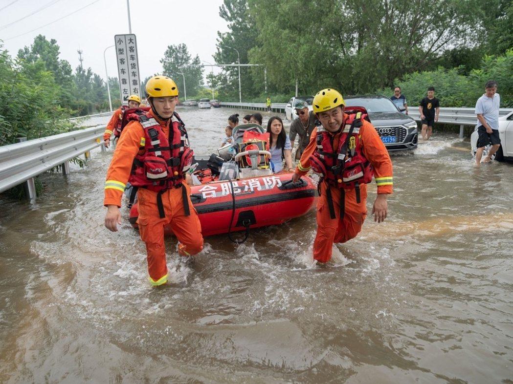 河南暴雨災情增至最少58人死亡,仍有5人失蹤。新華社