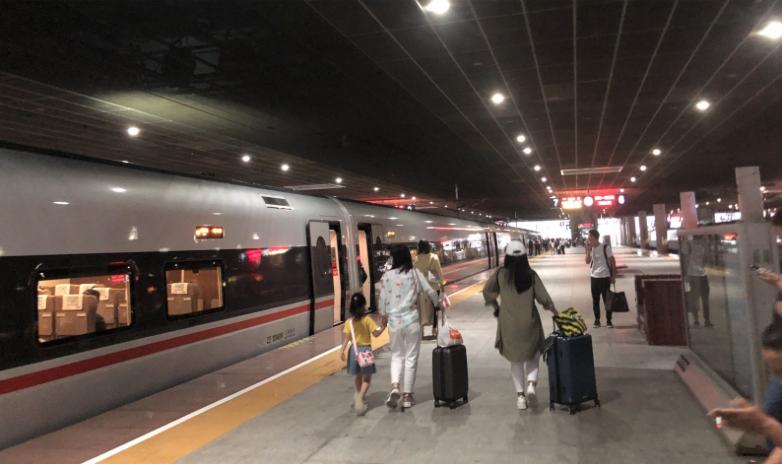 京九高鐵廣東段計劃今年11月建成通車,屆時在深圳北站與廣深港高鐵交匯而連通香港。...
