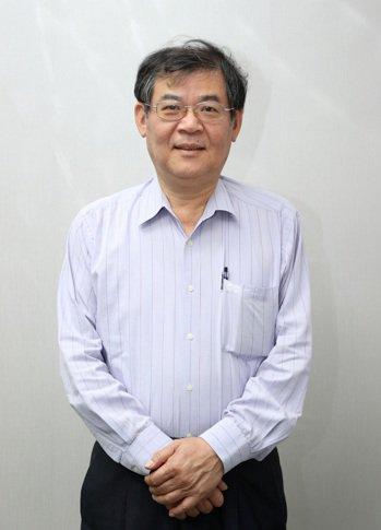吳彥宏表示,是方電訊從中華電信代理商變身賺錢的小金雞。記者曾吉松/攝影