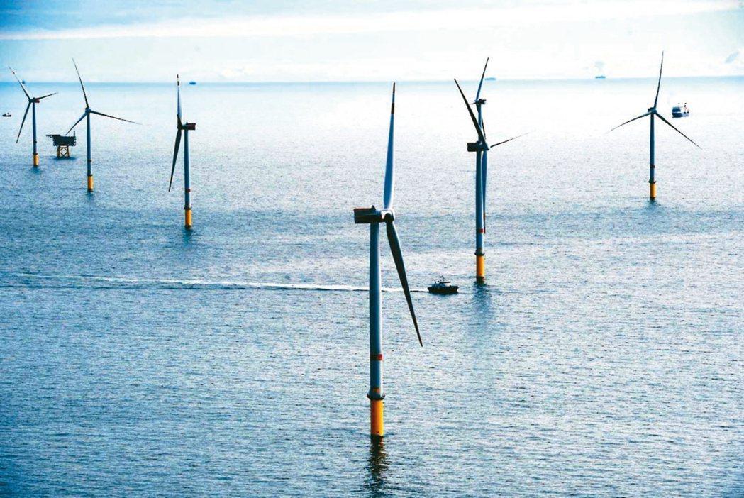 今年前五月本國銀行對綠能產業放款累計餘額已達1兆2,619億元。(本報系資料庫)