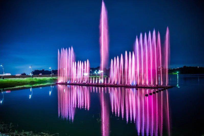 嘉義市長黃敏惠今天宣布,蘭潭音樂噴泉將於7月30日晚上恢復展演。 圖/記者卜敏正...