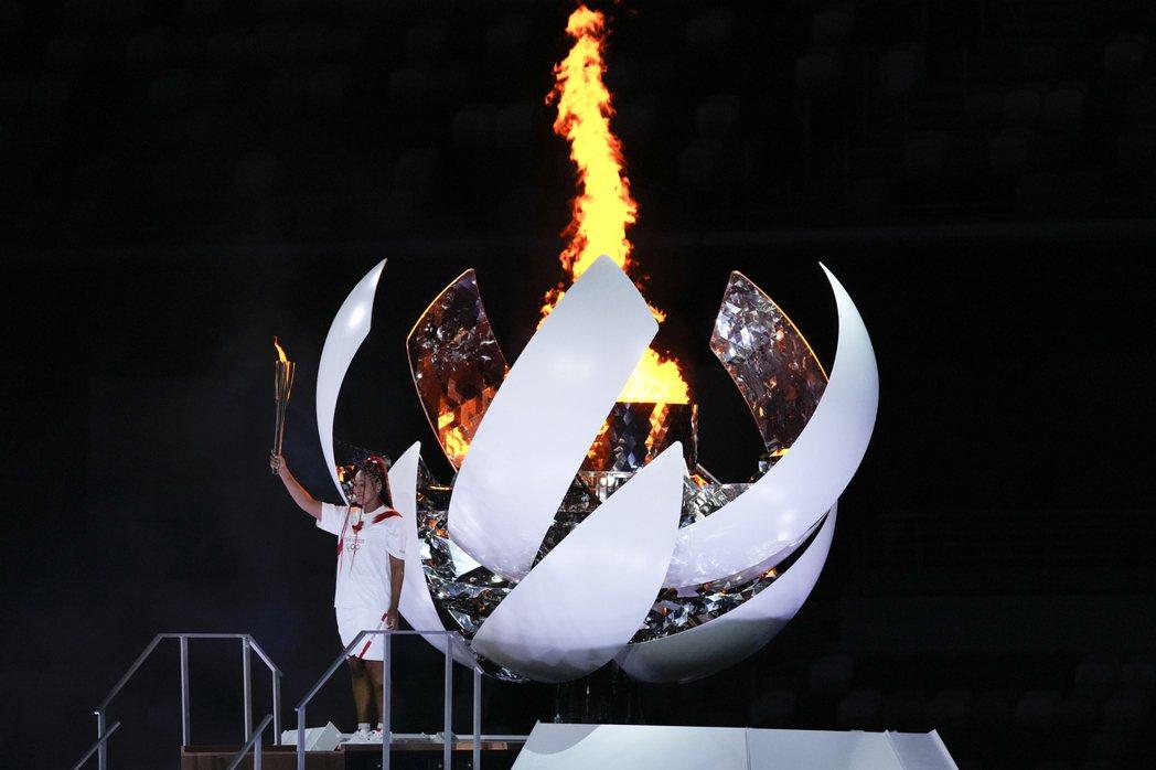 日本網球選手大坂直美擔任東京奧運開幕式主火炬手。 圖/美聯社