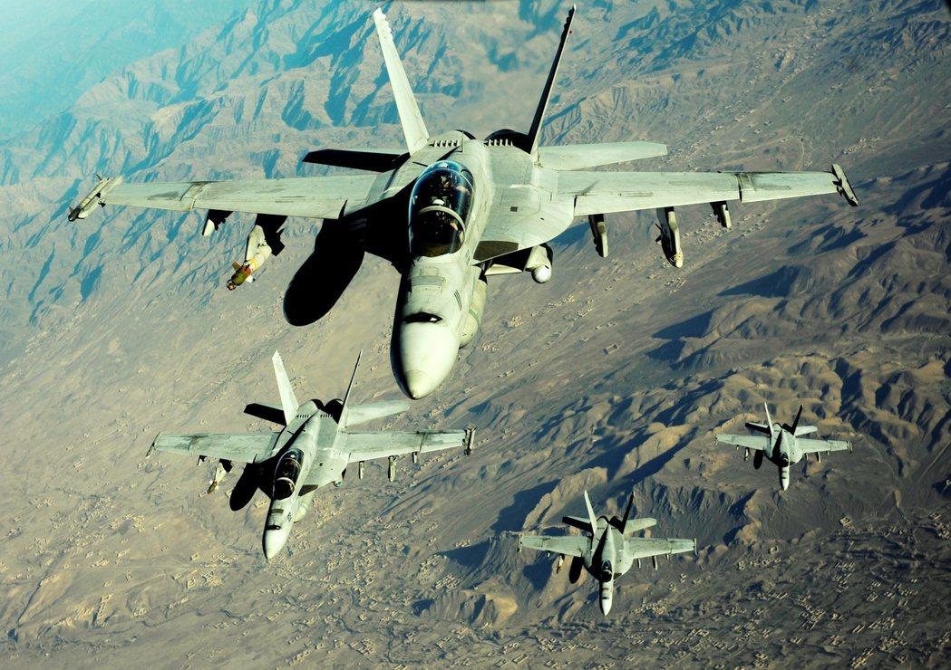 不過針對塔利班的進擊,阿富汗中央政府卻是退無可退地下達了「死守命令」;同時,撤軍...
