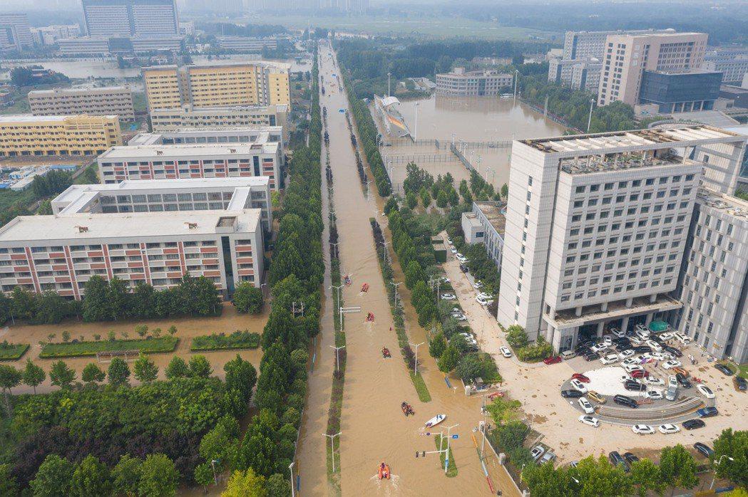 「做了海綿城市,還會淹水嗎?一塊海綿即便能吸水,終究會有吸飽的時候。」 圖/新華社