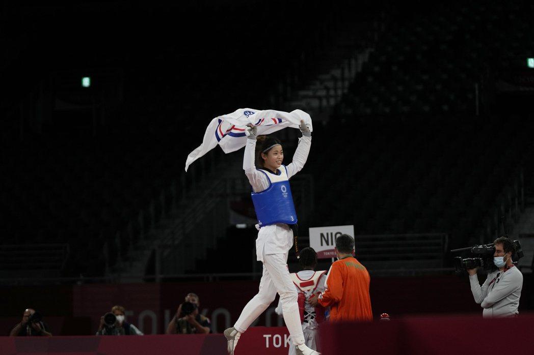 跆拳道19歲新星「羅嘉翎」銅牌戰受矚目。圖/東森新聞提供