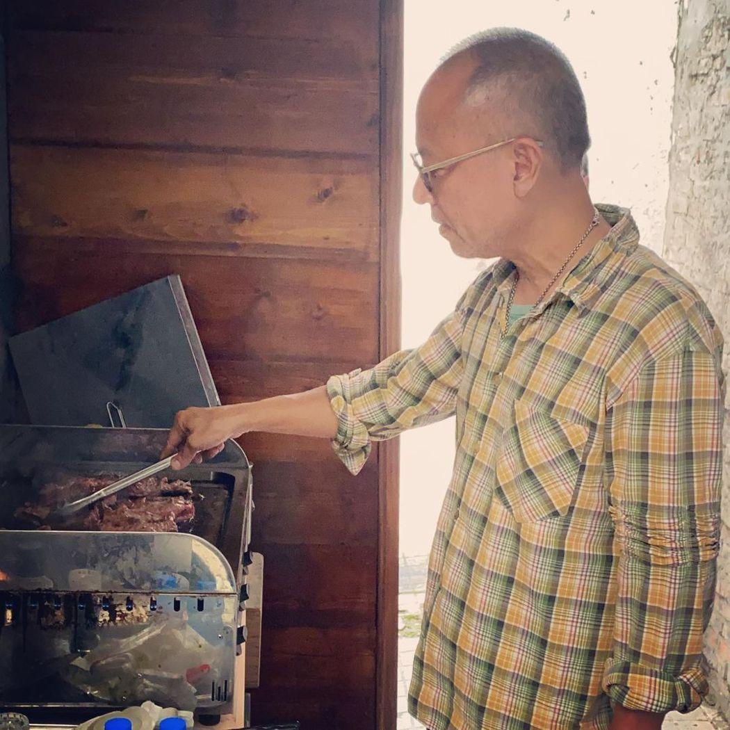 鍾孟宏表示「瀑布」和過往自己的作品很不一樣。圖/摘自IG