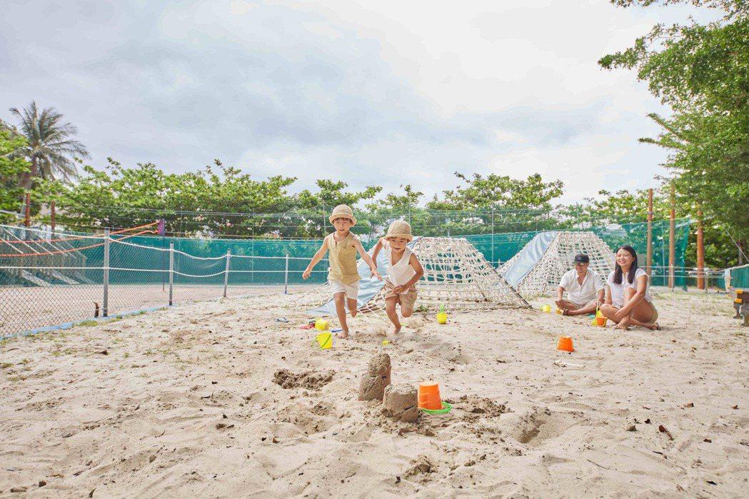 墾丁兒童玩沙。統一渡假村∕提供