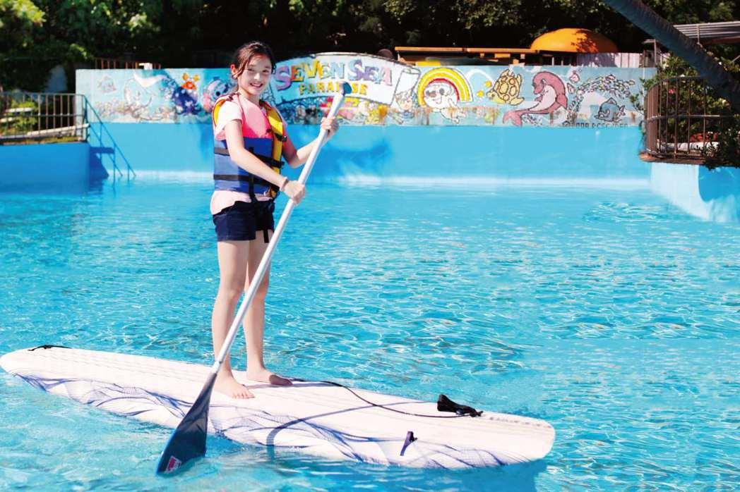 墾丁單人立式划槳。統一渡假村∕提供