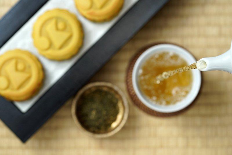 賞月品茗,搭配月餅正好。 日勝生加賀屋/提供