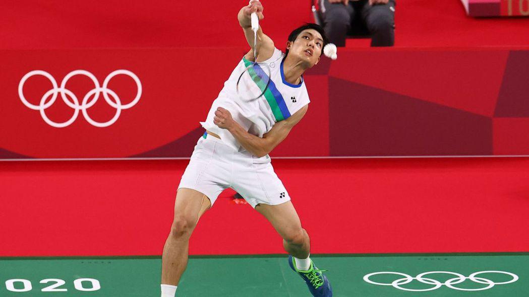 我國一哥周天成今天在分組賽最後一戰遭遇加拿大華裔19歲小將楊燦,最後拿下勝利。(...