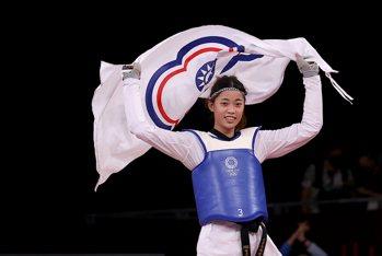 跆拳戰將羅嘉翎奪牌首發文 點名感謝「經濟艙事件」中3人