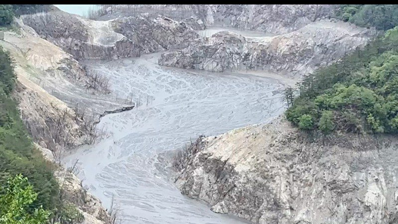 今年五月,德基水庫缺水嚴重情形。圖/民眾提供