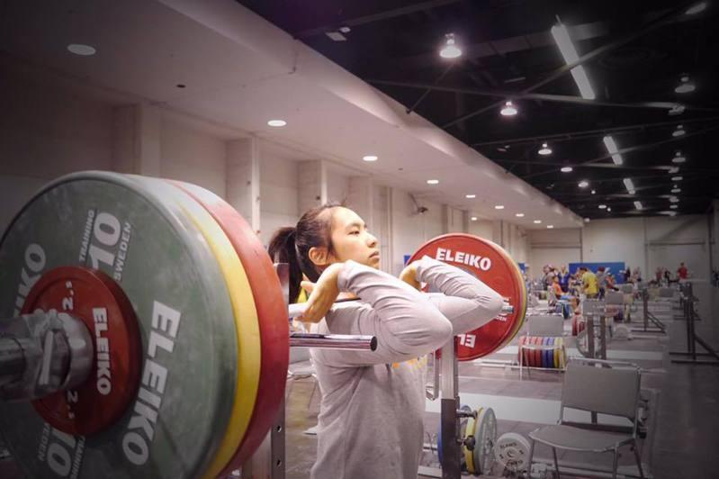 舉重女將江念欣預計今天中午出戰東奧女子55公斤級賽事。圖/取自江念欣-MaLia臉書粉絲專頁