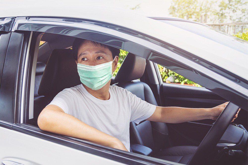 疫情降級人車將湧現,車險保單別忘校正之後再上路。圖 /新安產險提供