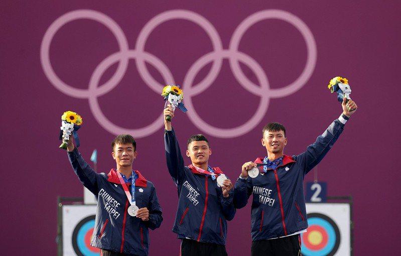 中華男子射箭隊奪下銀牌。特派記者余承翰/東京攝影