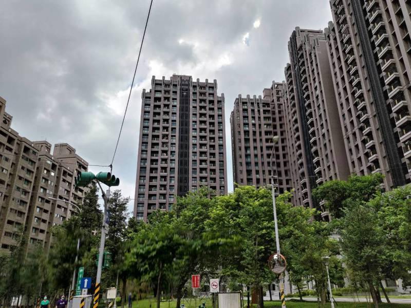 房產專家認為,安坑輕軌未必會大幅帶動周邊房價,喜歡當地環境購屋自住是不錯的選擇,但投資的話要謹慎評估。圖/新北市地政局提供