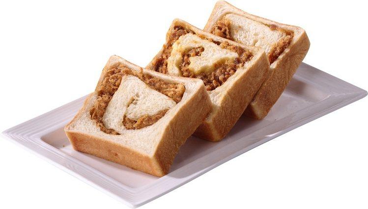 熱賣款生吐司升級餡料版,金沙肉鬆生吐司使用台灣在地油金鹹蛋黃,黃金比例與台灣本產...
