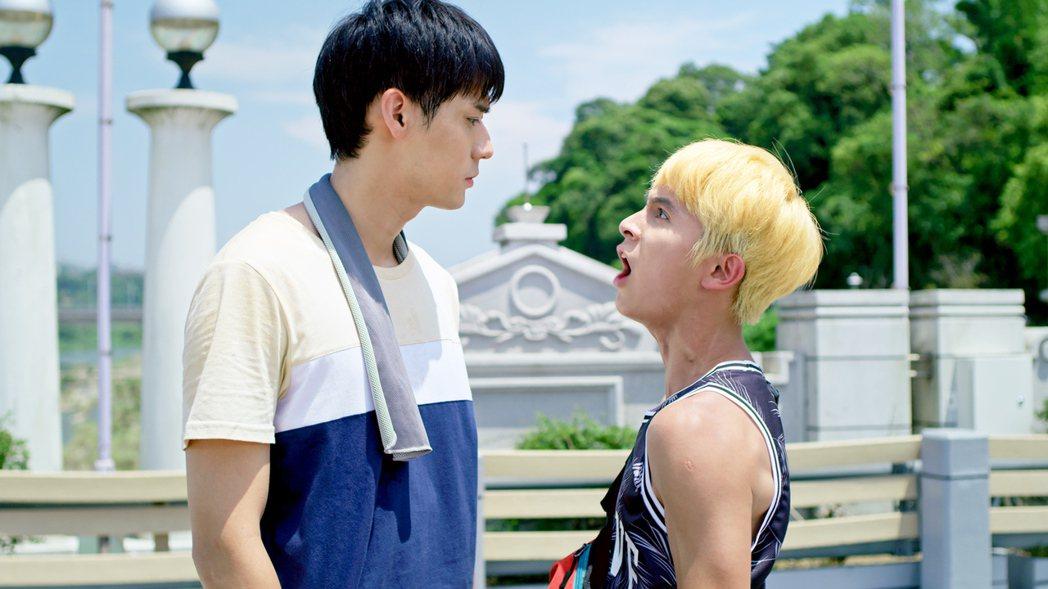 林暉閔(右)在劇中飆罵李玉璽不重孝道。圖/東森、映畫提供
