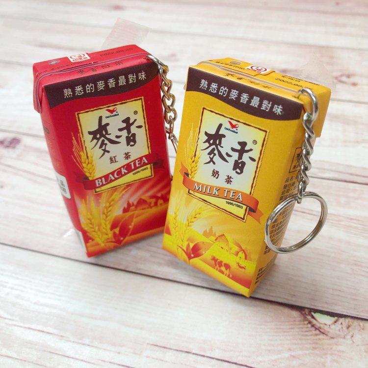 「麥香紅茶icash2.0」依照實品外觀製作,迷你仿真,包裝印刷及皺褶細節處忠實...