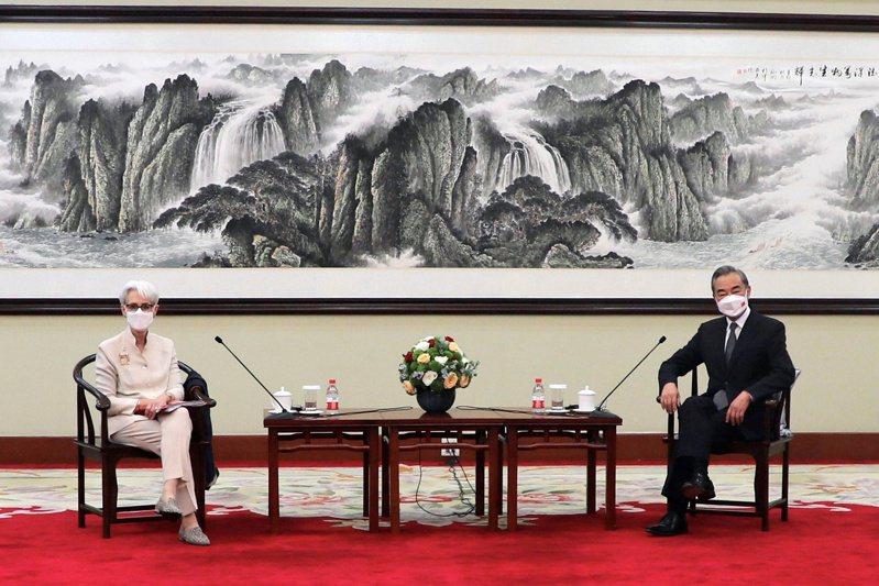 美中天津會談落幕,但雙方的會後發言凸顯兩國對一系列問題仍有歧見。 路透