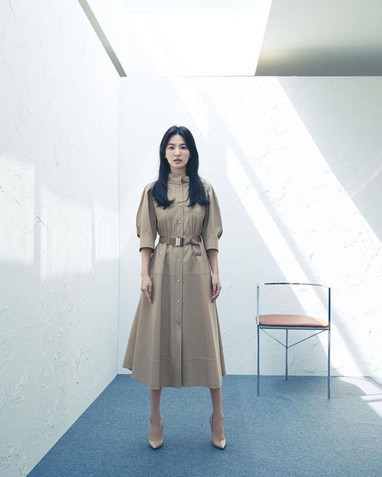 宋慧喬代言的服裝品牌MICHAA釋出新的早秋系列形象,展現職場女性的自信。圖/取...