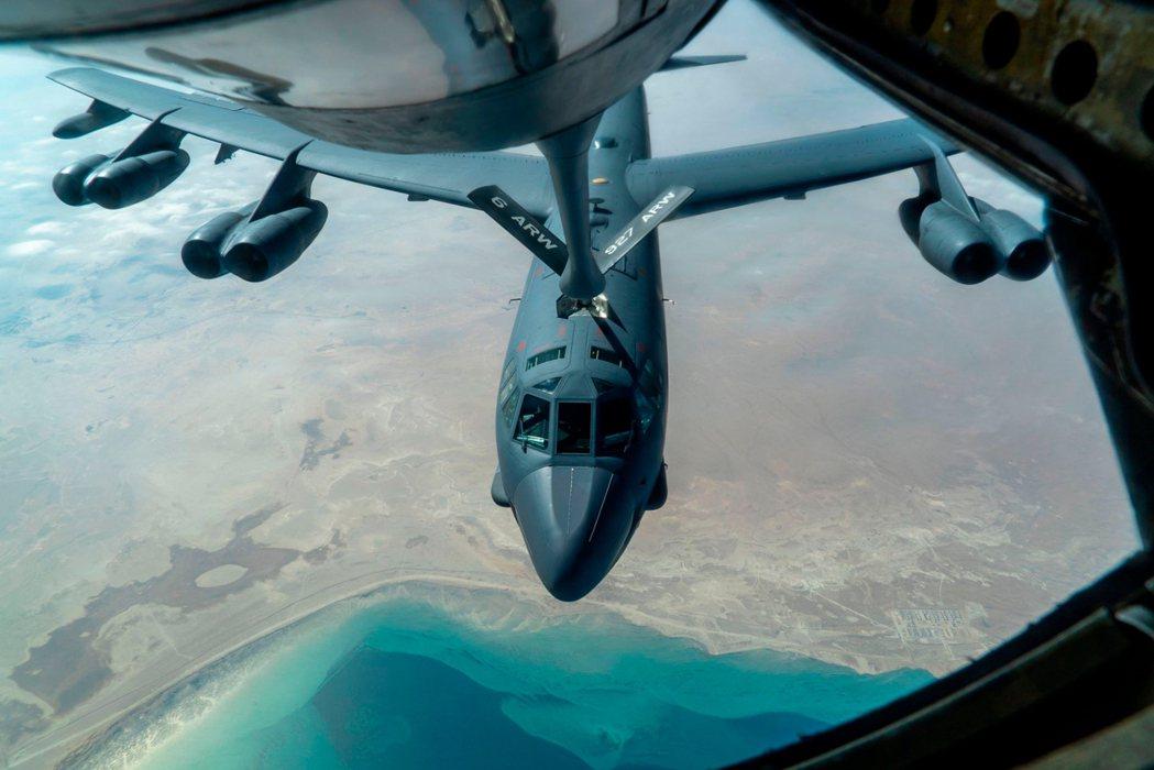 被派遣到波灣前線的美軍B-52戰略轟炸機。 圖/法新社