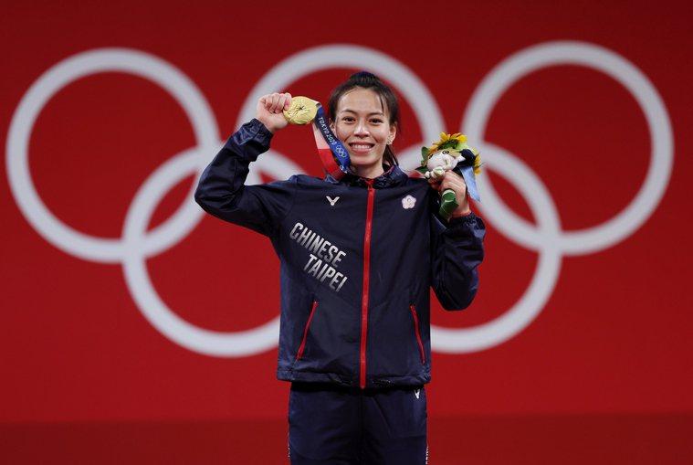 「舉重女神」郭婞淳今天在東京奧運舉重女子59公斤級賽事,不僅幫助我國舉重隊連續4...