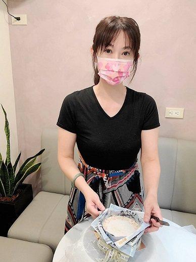 酮燁低醣甜點創辦人卓金燁(Mia)。  酮燁低醣甜點/提供