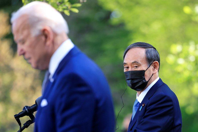 日本是美國施展印太戰略的關鍵同盟。圖為拜登在白宮會晤日相菅義偉。 路透