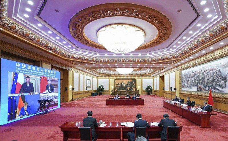 大陸國家主席習近平7月5日與德國總理梅克爾、法國總統馬克宏舉行三方視訊會談。 新...
