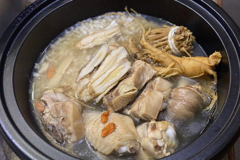 ▲防疫期間用美味煲湯幫自己提升免疫力。 圖:玩買主意╱提供