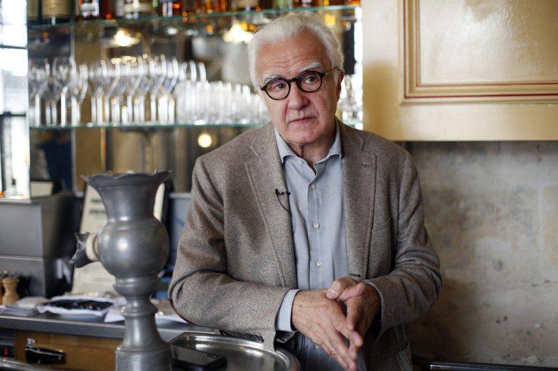米其林三星名廚、被譽為法國料理「教父」的杜卡斯表示,新冠疫情加速了法國料理的下一個「再進化」,而這次再進化的關鍵字是「自由」。美聯社