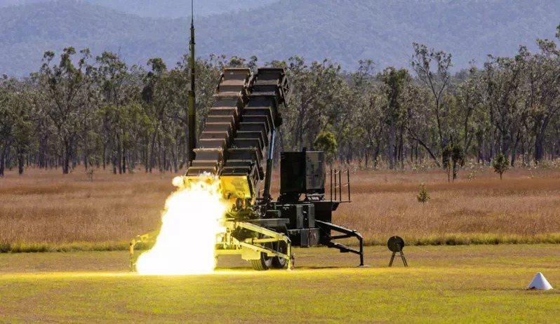 美軍曾在澳洲本土實彈射擊愛國者PAC-3反飛彈系統,並成功攔截靶彈。圖:U.S....