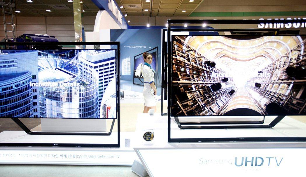 液晶電視面板報價本月下旬轉跌。路透