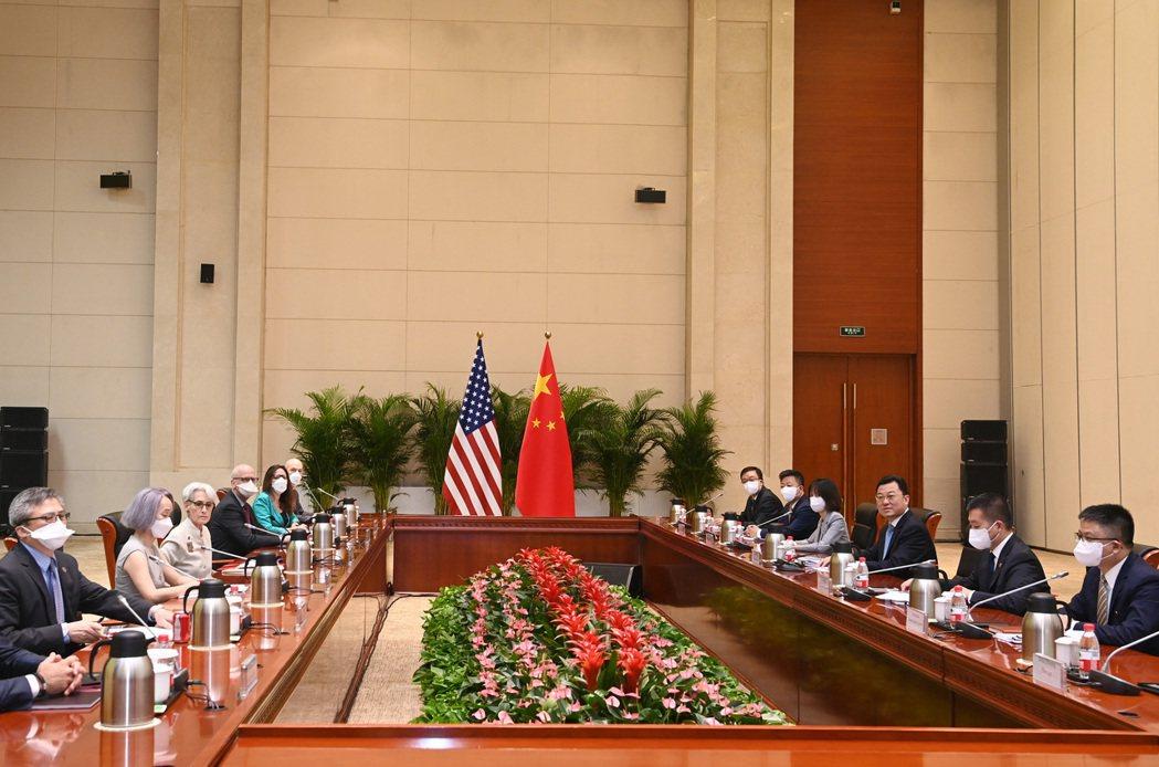 美中高層天津會談凸顯雙方歧見甚深。新華社