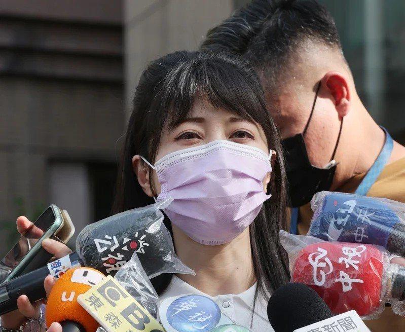 民進黨立委高嘉瑜表示,指揮中心重新開放疫苗接種意願登記並提供「高端疫苗」為新選項後,她得知可以預約後,立刻取消已預約的疫苗,等待施打高端。圖/本報資料照片