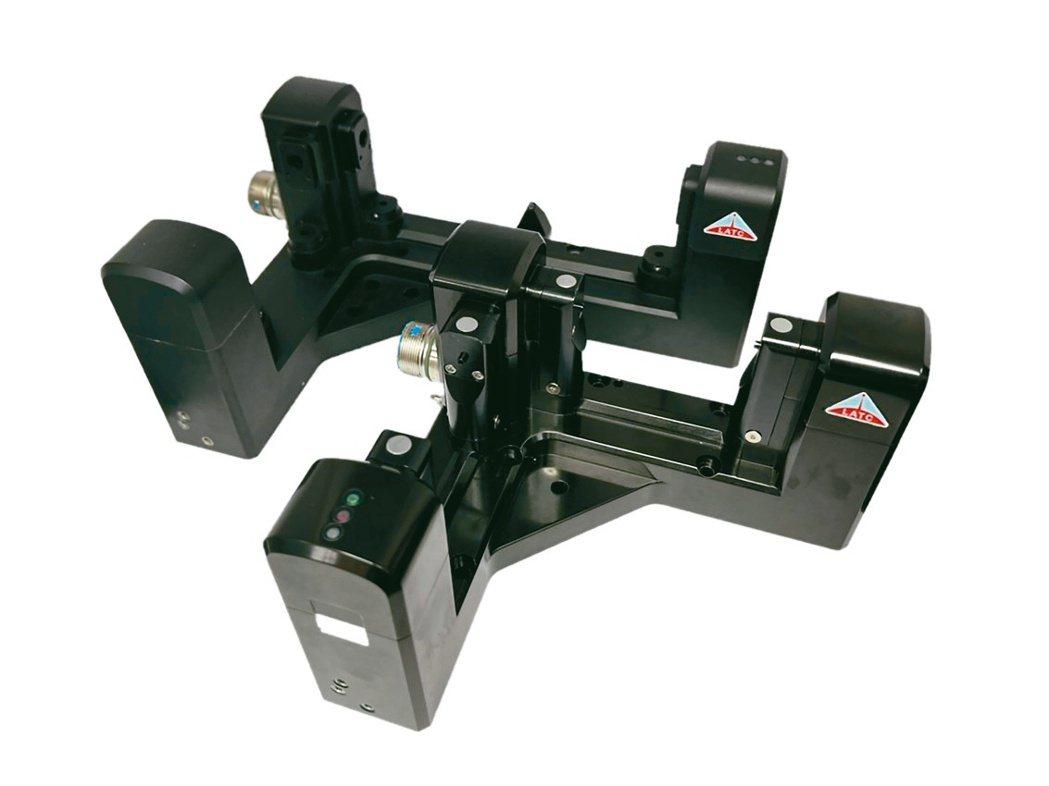 雷應L型非接觸式雷射量刀器,機上熱變位量測與AI建模專用。雷應科技公司/提...