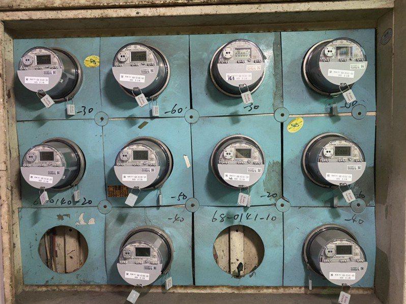 葉姓市民指出,家裡一直正常用電也沒動過電表,卻被冠上違規用電罪名,還被追討17萬電費,讓他不服。圖/葉姓市民提供