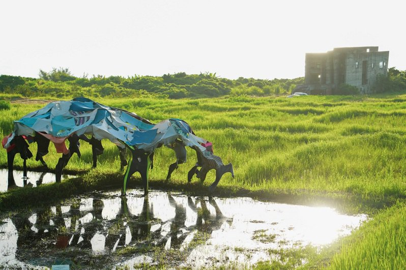 森川里海濕地藝術季在花蓮5個部落開展,圖為「Apo'&王亭婷x港口部落」作品。圖/花蓮林管處提供