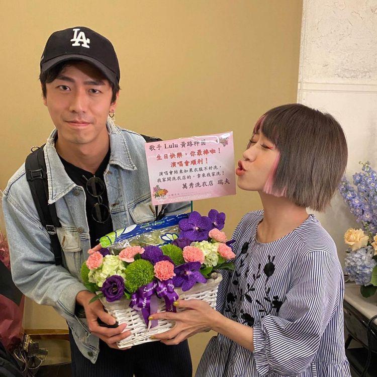 Lulu今年4月舉行音樂會時,張瑞夫還有到後台送花。 圖/擷自張瑞夫IG