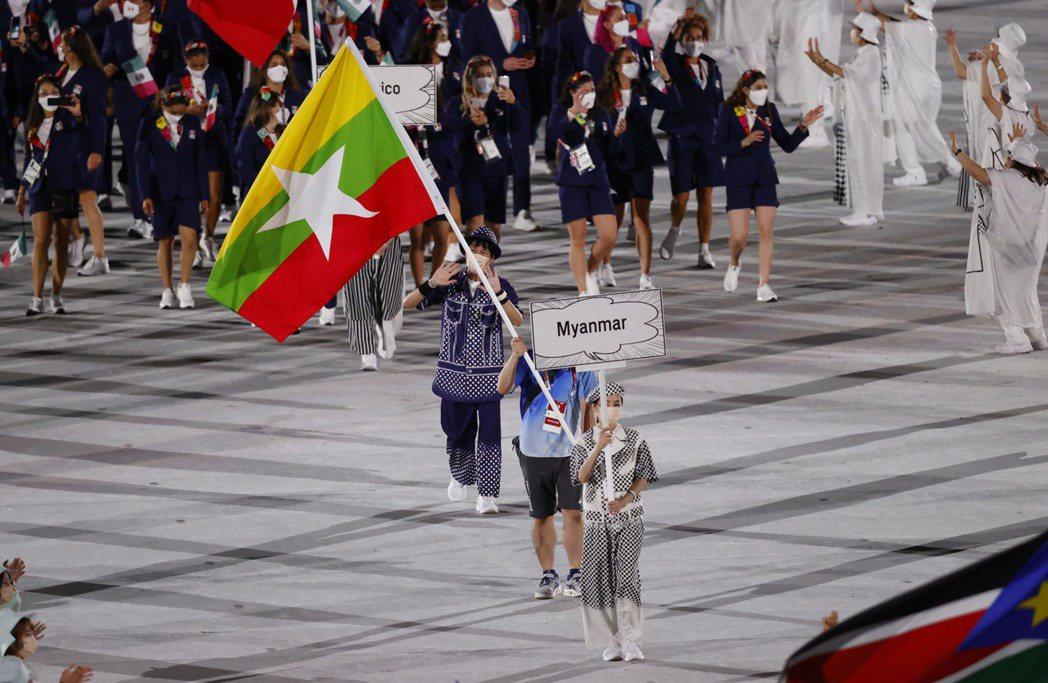 開幕當晚,依照大會資料報導的國際媒體,都以為入場的緬甸旗手是射擊選手Ye Tun...