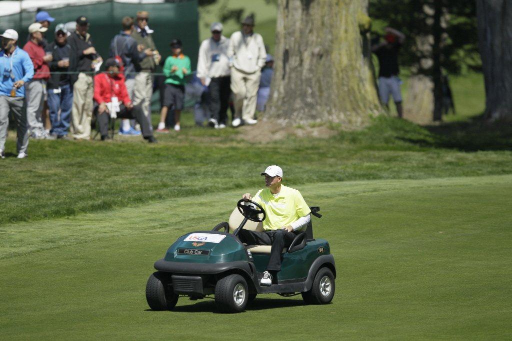 Casey Martin在賽事中使用高爾夫球車。 圖/美聯社