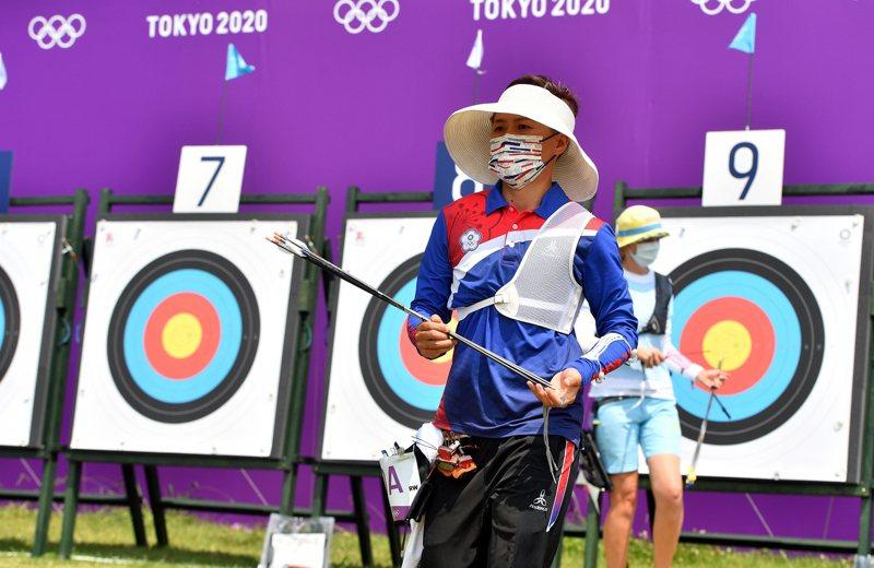 兩年前摘下世錦賽金牌的連3屆奧運國手「雷母」雷千瑩,個人賽首輪就止步。 余承翰