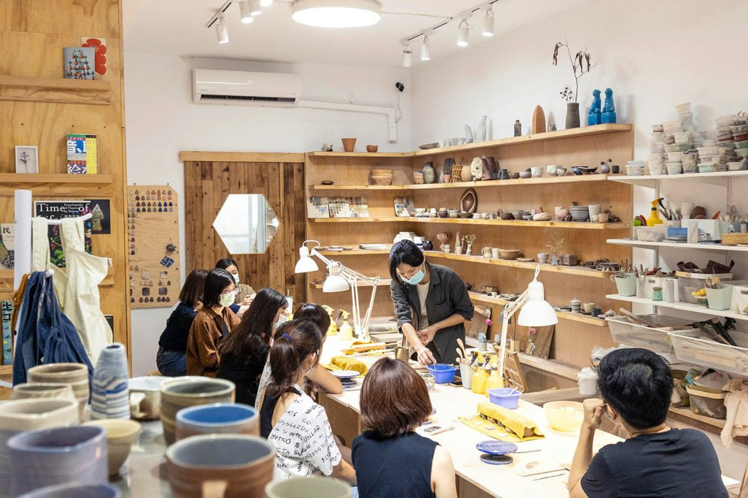 土星位於台南市安南區的實體工作室,開設課程也提供學員自主練習的設備與空間。 圖/...